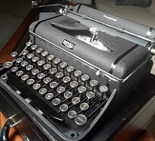 Royal Companion Typewriter